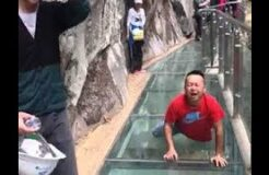 CHINA GLASS BRIDGE CRACK PRANK COMPILATION!