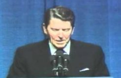 Ronald Reagan tells joke about Democrats